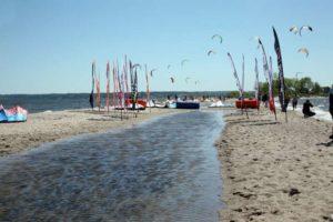 Rys. 2. Kitesurfing w Rewie [http://gminakosakowo.pl]