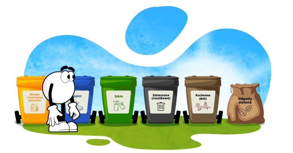 Rysunkowa postać na tle koszy do selektywnej zbiórki odpadów.
